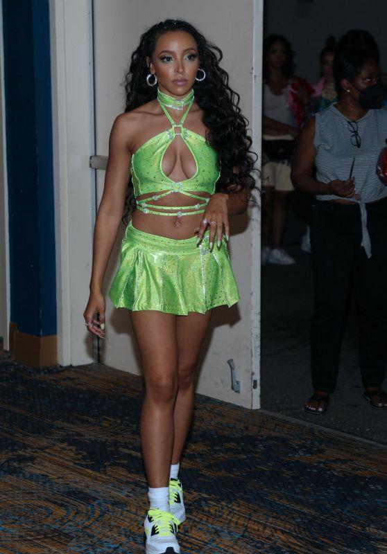 Tinashe - Sports Illustrated Swimsuit Celebrates Launch Of The 2021 Issue 04/24/2021