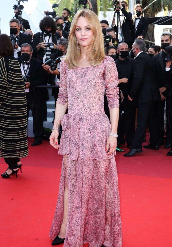 "Vanessa Paradis – ""De Son Vivant (Peaceful)"" Red Carpet at the 74th Cannes Film Festival"