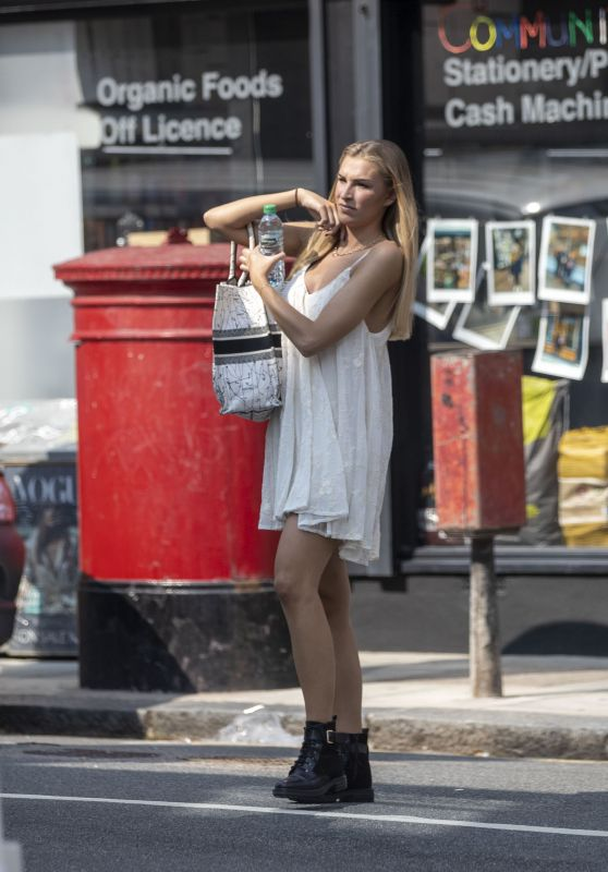 Zara McDermott - Out in North London