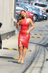 """Addison Rae - Heads to an Appearance for """"Jimmy Kimmel Live!"""" in Hollywood 08/10/2021"""