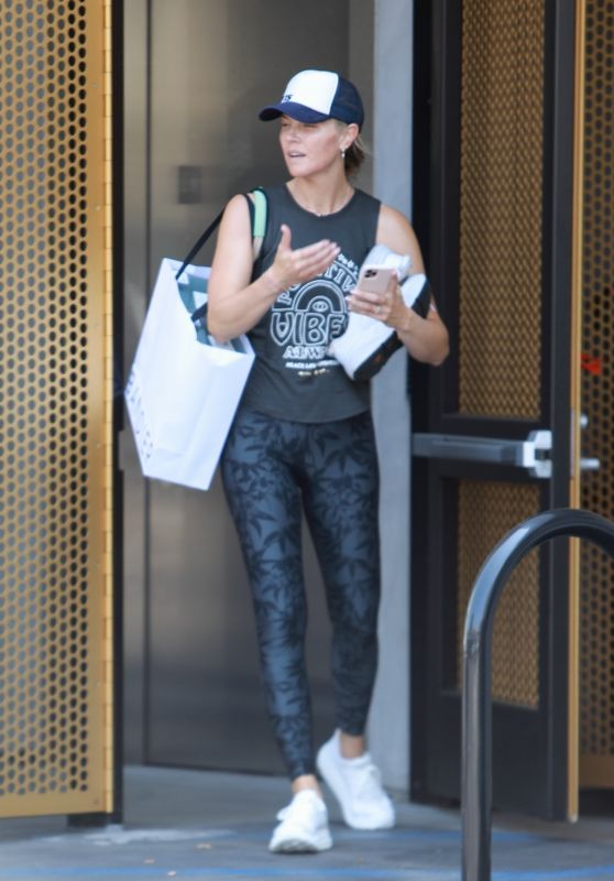 Amanda Kloots in Workout Outfit - West Hollywood 08/12/2021