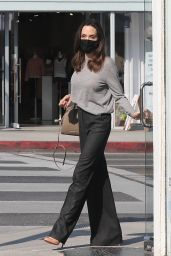 Angelina Jolie - Shops for Sunglasses at Optometrix: Professional Eye Care Center in Beverly Hills 08/13/2021
