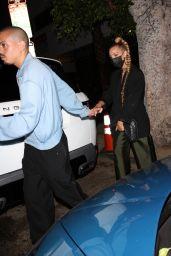 Ashlee Simpson - Leaving Warwick in Hollywood 08/19/2021