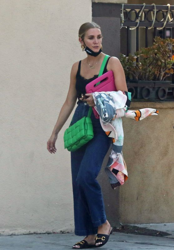 Ashlee Simpson - Out in Los Angeles 08/15/2021