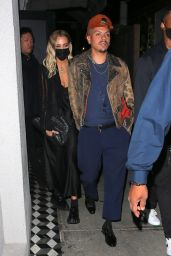 Ashlee Simpson With Her Husband Evan Ross at Craig