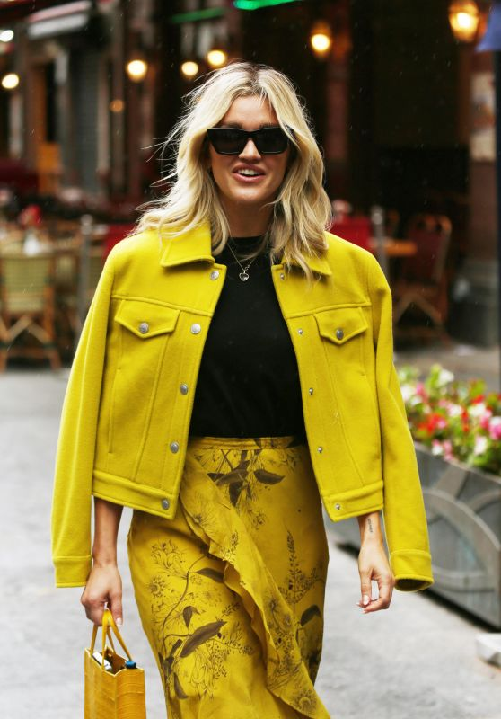 Ashley Roberts - Out in London 08/06/2021