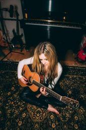Avril Lavigne 08/18/2021