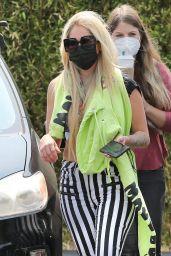 Avril Lavigne Street Style - Calabasas 08/16/2021