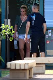 Britney Spears - Out in Hawaii 08/03/2021