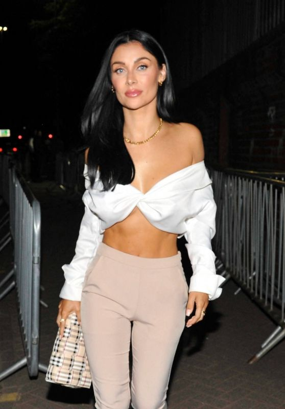 Cally Jane Beach - Night Out in Manchester 08/29/2021