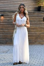 """Chloe Sims - """"The Only Way is Essex"""" TV Show Filming 08/25/2021"""