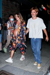 Clara Berry - Out in Los Angeles 08/14/2021