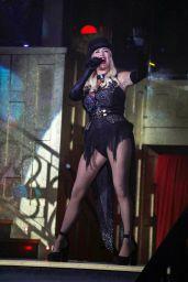 Denise Van Outen - Cabaret All Stars in London 08/13/2021