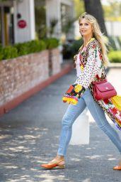 Heidi Klum Street Style - Los Angeles 08/25/2021