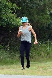 Hilaria Baldwin - Jogging in The Hamptons, New York 08/04/2021