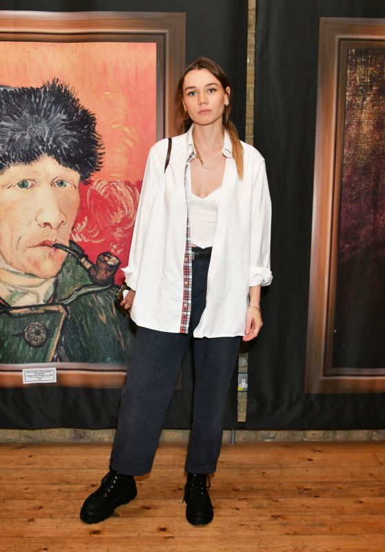 """Immy Waterhouse – """"Van Gogh: The Immersive Experience"""" Private View in London"""