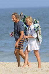 Jane Krakowski on the Beach in the Hamptons 08/14/2021