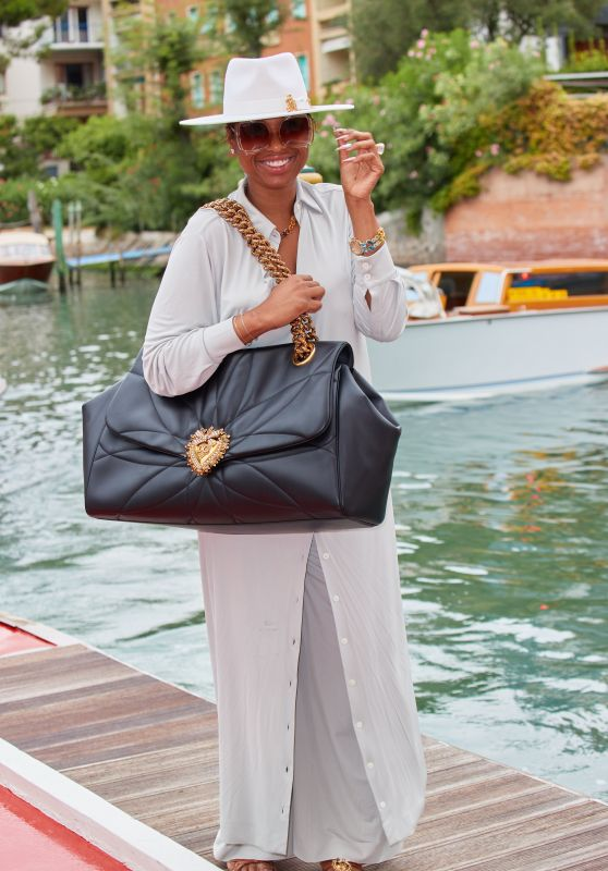 Jennifer Hudson at the Lido at the Hotel Excelsior in Venice 08/28/2021