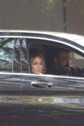 Jennifer Lopez - Checking Out Bob Hope