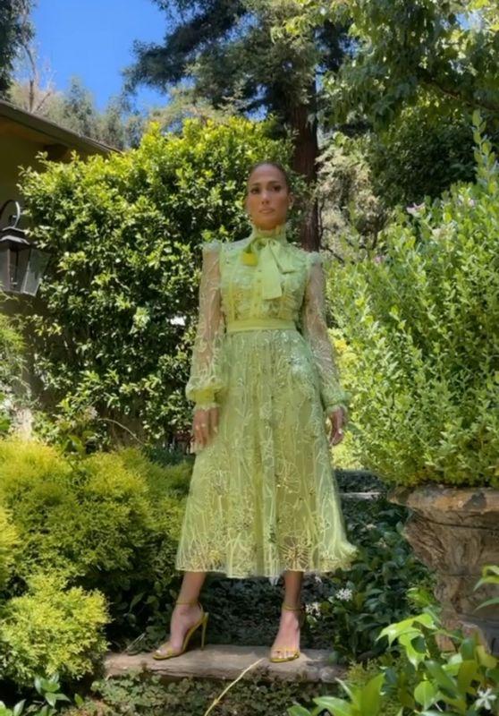 Jennifer Lopez Outfit 08/06/2021