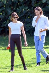 Kaia Gerber at a Dog Park in Los Angeles 08/12/2021