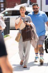 "Kaley Cuoco - ""Meet Cute"" Filming in the Brooklyn Borough of NYC 08/11/2021"