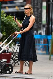 Karlie Kloss - Out in New York 08/03/2021