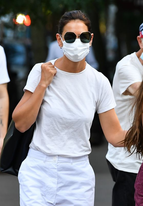 Katie Holmes - Out in New York 08/13/2021