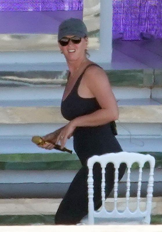 Katy Perry - Rehearses For Her UNICEF Gala Concert in Capri 08/01/2021