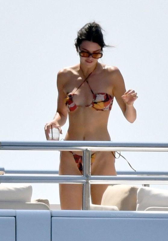 Kendall Jenner in a Bikini in Capri 08/24/2021