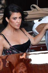 Kourtney Kardashian - Out in Venice 08/29/2021