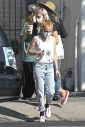 Kristen Stewart - Shopping for Sunglasses in Los Feliz 08/26/2021