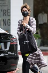 Lisa Rinna - Shopping at Towne in Beverly Glen, LA 08/21/2021