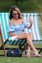 Lizzie Cundy - Out in Hyde Park in London 08/04/2021