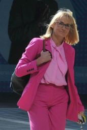 Louise Minchin - Out in Manchester 08/10/2021