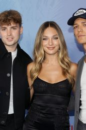 """Maddie Ziegler – """"He's All That"""" Premiere in Hollywood"""