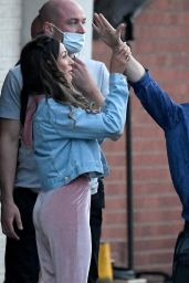 """Michelle Keegan - Filming """"Brassic"""" TV Show in Manchester 08/16/2021"""