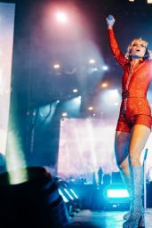 Miley Cyrus - Performing at Lollapalooza 2021 in Chicago