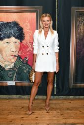 "Nadiya Bychkova – ""Van Gogh: The Immersive Experience"" Private View in London"