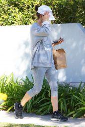 Natalie Portman - Out in Sydney 08/05/2021