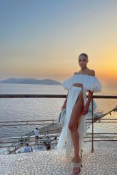 Olivia Culpo Outfit 08/07/2021
