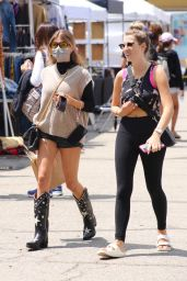 Olivia Jade Giannulli - Shopping at the Melrose Place Farmers Market in LA 08/22/2021