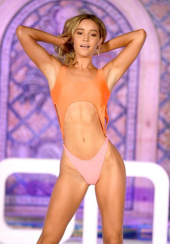 Olivia Ponton – boohoo First Ever Runway Show During Miami Swim Week 07/10/2021