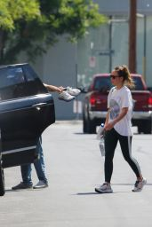 Olivia Wilde and Harry Styles - Los Angeles 08/09/2021