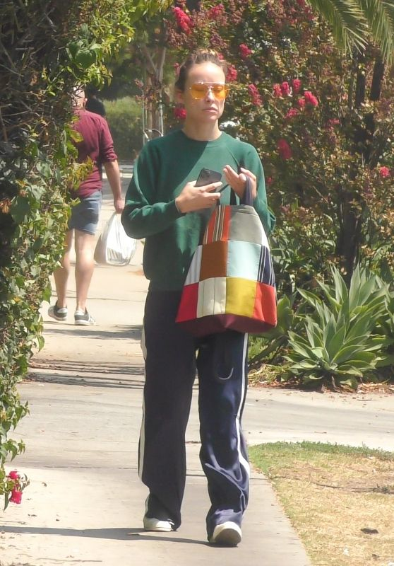 Olivia Wilde - Out in Los Feliz 08/30/2021