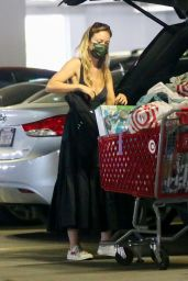 Olivia Wilde - Shopping at Target in Los Angeles 08/03/2021