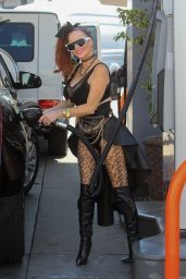 Phoebe Price - Pumps Gas in Hollywood 08/09/2021