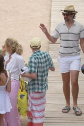 Poppy Delevingne - Out in Ibiza 08/03/2021