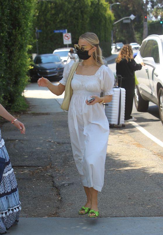 Rebecca Rittenhouse – Leaves Jennifer Klien's Day of Indulgence in Brentwood 08/15/2021