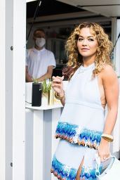 Rita Ora Cute Style - Hôtel de Crillon in Paris 08/08/2021